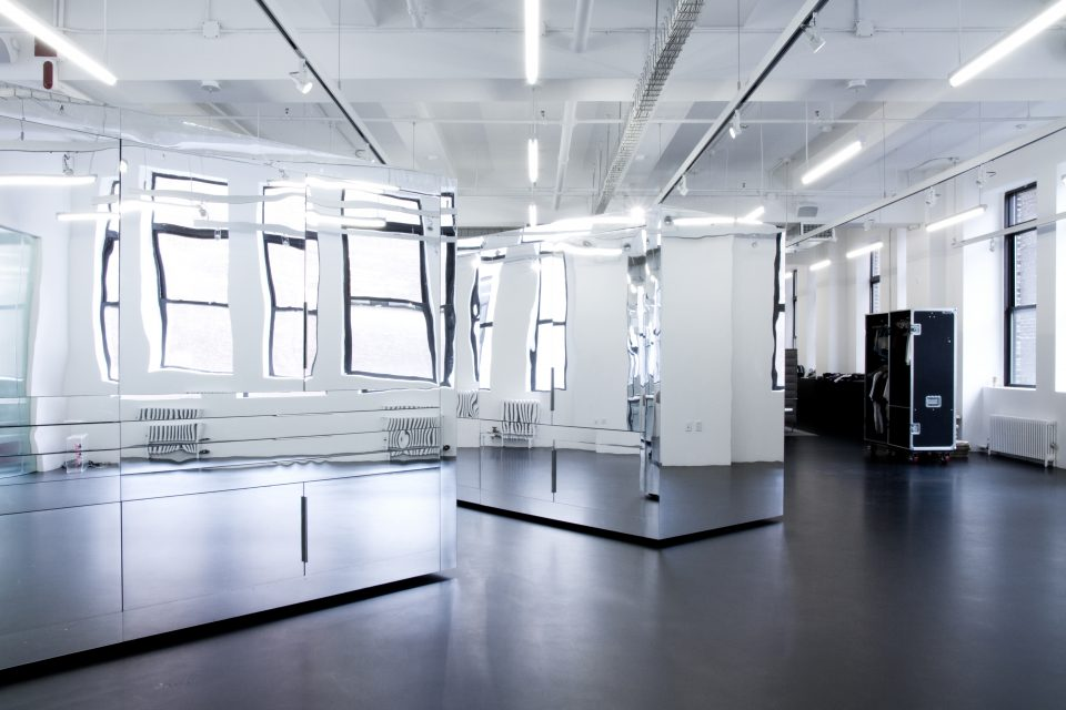 Interview view of An Office for Three Companies, New York (Midori Hasuike/Only If-).