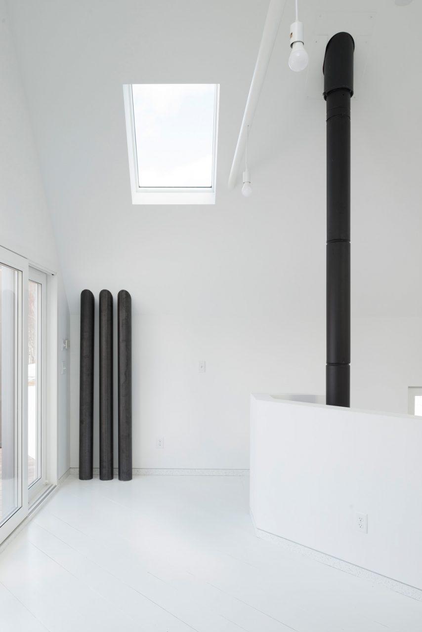 Interior photo of a white room