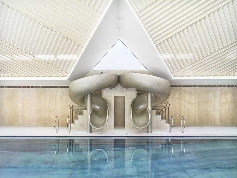 Interior view of the Manor House Pool (Rafael De Cardenas).