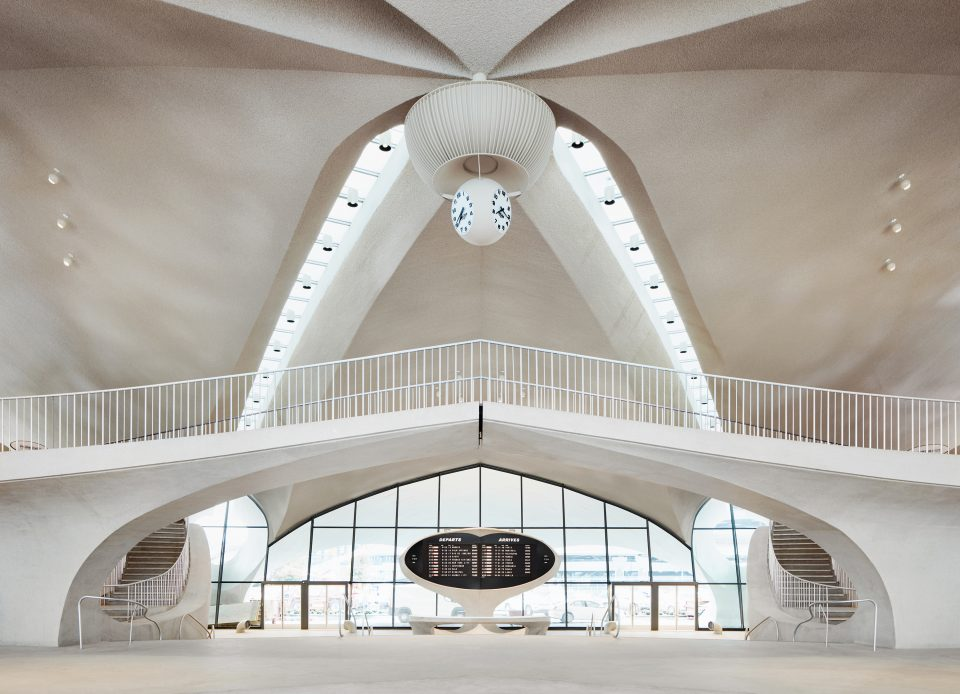 Interior view of ceiling and entrance to TWA Flight Terminal hotel lobby