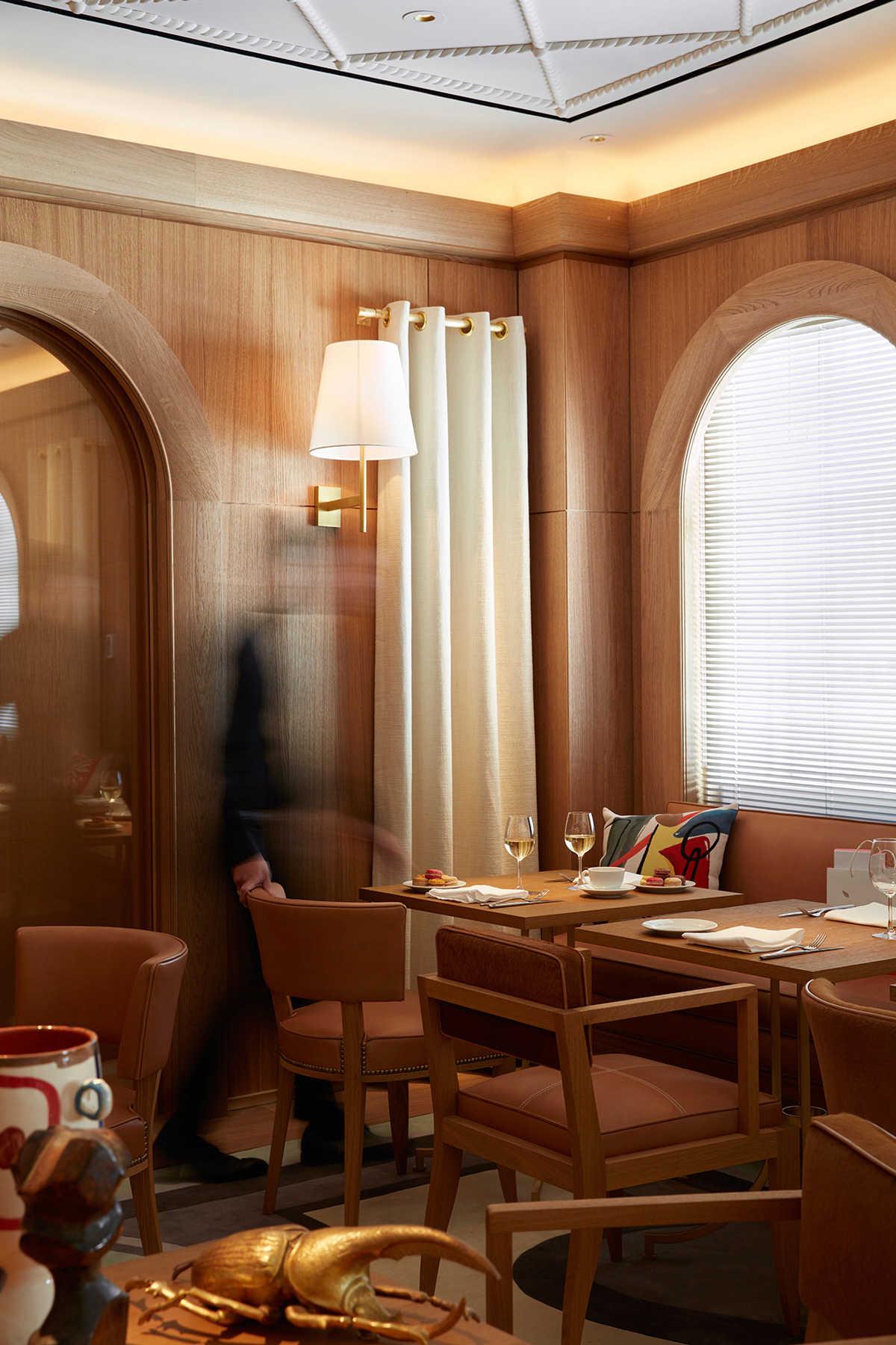 Famous French Food Spot L Avenue Opens Outpost In Saks Fifth Avenue An Interior